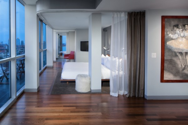 https://suiteness.imgix.net/destinations/new-york/hotel-on-rivington/suites/the-owner-s-suite/bedroom.tif?w=96px&h=64px&crop=edges&auto=compress,format