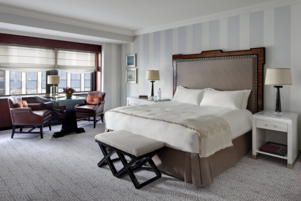 https://suiteness.imgix.net/destinations/new-york/lotte-new-york-palace/suites/towers-corner-two-bedroom-suite/bedroom-1-jpg.jpg?w=96px&h=64px&crop=edges&auto=compress,format