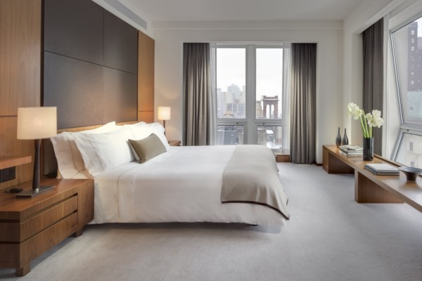 https://suiteness.imgix.net/destinations/new-york/langham-place-new-york-fifth-avenue/suites/one-bedroom-empire-state-view-suite-one-bedroom-empire-state-view-suite/king-bedroom.jpg?w=96px&h=64px&crop=edges&auto=compress,format
