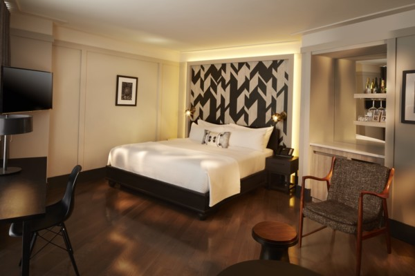 https://suiteness.imgix.net/destinations/new-york/the-tillary-hotel-brooklyn/suites/junior-suite-classic-room/bedroom.jpg?w=96px&h=64px&crop=edges&auto=compress,format