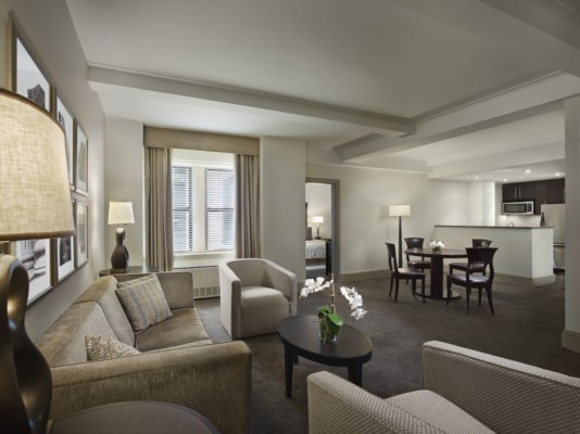 https://suiteness.imgix.net/destinations/new-york/aka-central-park/suites/two-bedroom-premium-suite/aka-central-park-premium-one-bedroom-living-room.jpg?w=96px&h=64px&crop=edges&auto=compress,format