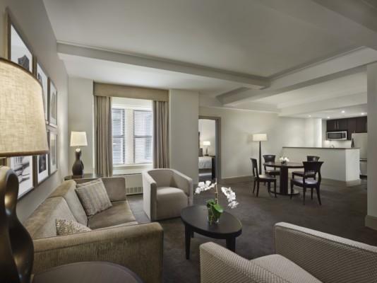 https://suiteness.imgix.net/destinations/new-york/aka-central-park/suites/two-bedroom-premium-suite/aka-central-park-premium-one-bedroom-living-room.jpg?w=96px&h=64px&crop=edges&auto=compress,format