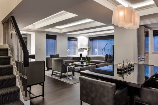 https://suiteness.imgix.net/destinations/new-york/aka-sutton-place/suites/two-bedroom-duplex-penthouse-suite/aka-sutton-place-penthouse-living-room.jpg?w=96px&h=64px&crop=edges&auto=compress,format