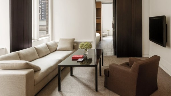 https://suiteness.imgix.net/destinations/new-york/andaz-5th-avenue/suites/andaz-splash-suite-large-king/ny-andaz%205th%20avenue-andaz%20splash%20suite-living%20room.png?w=96px&h=64px&crop=edges&auto=compress,format