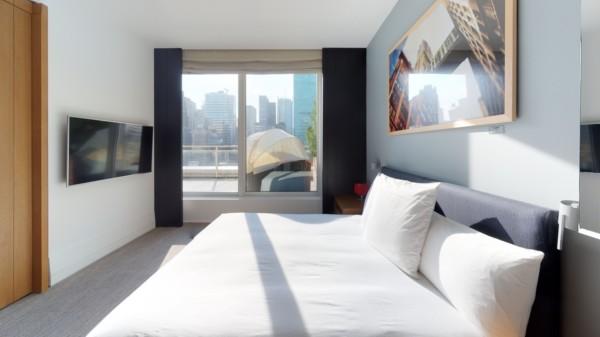 https://suiteness.imgix.net/destinations/new-york/andaz-5th-avenue/suites/empire-terrace-suite/balcony-view.jpg?w=96px&h=64px&crop=edges&auto=compress,format
