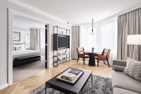 https://suiteness.imgix.net/destinations/new-york/the-london-nyc/suites/2-king-beds-city-view-2-bedroom-suite/living-room.jpg?w=96px&h=64px&crop=edges&auto=compress,format