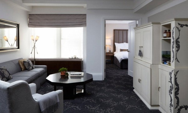 https://suiteness.imgix.net/destinations/new-york/the-surrey/suites/ultra-one-bedroom/ny-the-surrey-ultra-deluxe-suite-living-room-jpg.jpg?w=96px&h=64px&crop=edges&auto=compress,format