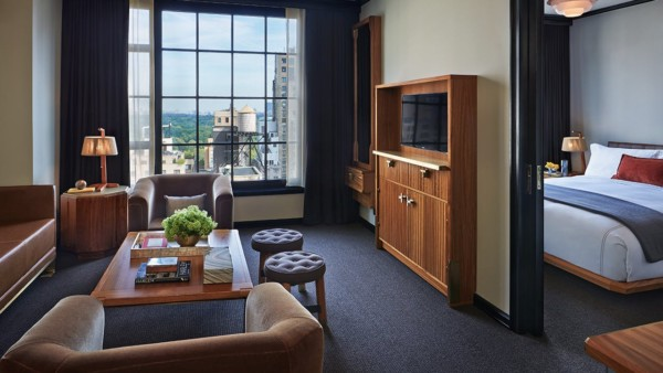 https://suiteness.imgix.net/destinations/new-york/viceroy-new-york/suites/viceroy-park-suite-viceroy-park-view-king/ny-viceroy%20hotel-viceroy%20park%20suite-living%20room.jpg?w=96px&h=64px&crop=edges&auto=compress,format